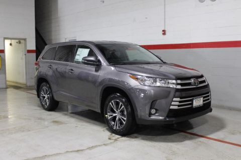 New 2018 Toyota Highlander V6 LE Plus AWD AWD
