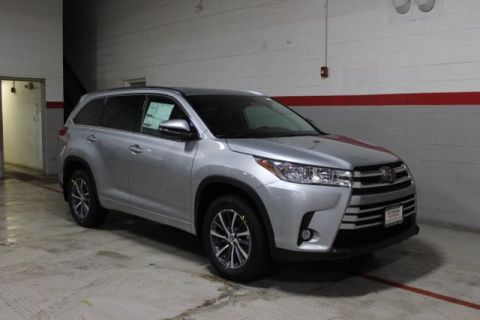 New 2018 Toyota Highlander V6 XLE AWD AWD
