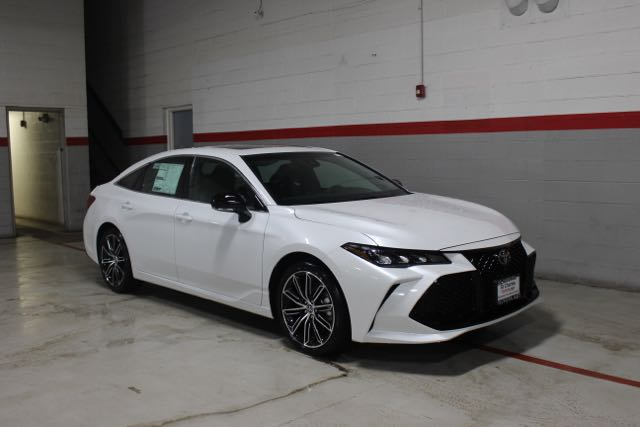 New 2019 Toyota Avalon V6 XSE