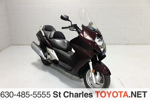Pre-Owned 2004 Honda silver wing